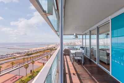 Huge apartment with swimming pool and amazing views near the seaside in Barcelona
